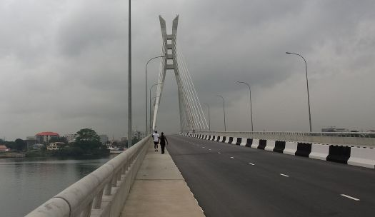 Joggers on the Lekki Ikoyi link bridge.jpg